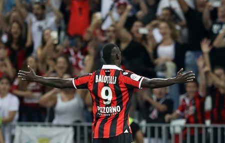 Lam lai thoi, Balotelli! - Anh 2