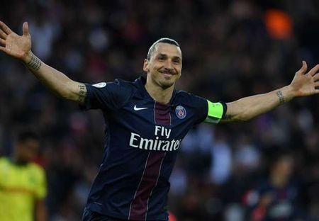 HLV Wenger che PSG yeu di nhieu khi mat Ibrahimovic - Anh 1