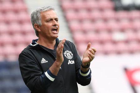 Diem tin toi 13/09: Mourinho ra thiet quan luat, Terry chan thuong nang, Real khong phai ung cu vien vo dich C1 - Anh 1