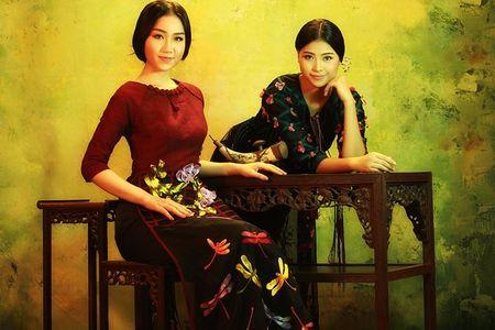 NTK Lan Huong mang bo suu tap ao dai den Bac Kinh - Anh 1