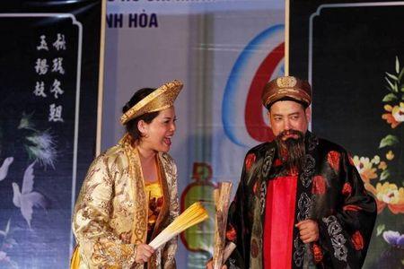Nha hat Kich Viet Nam dien 'Dam cuoi con gai Chuot' nhan Trung thu - Anh 2