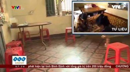 """Thu hoi banh Trung thu """"ban"""" tai Thi tran Kim Bai, huyen Thanh Oai - Anh 1"""