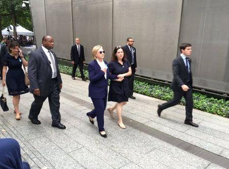 Hang loat nhan vien cua ba Clinton nga benh - Anh 2