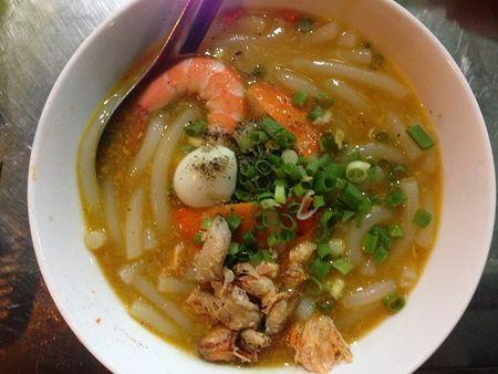 5 mon banh canh hut khach o Sai Gon - Anh 1