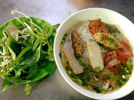 5 mon banh canh hut khach o Sai Gon - Anh 2
