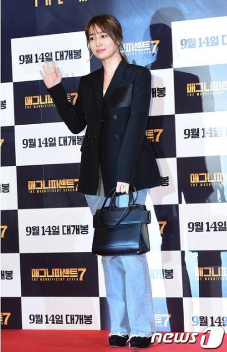 Idol nu lep ve truoc nhan sac cua vo Lee Byung Hun - Anh 2