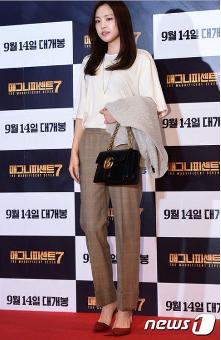 Idol nu lep ve truoc nhan sac cua vo Lee Byung Hun - Anh 7