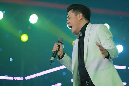 "Ngo Kien Huy ""le let"" chup anh cho Lam Truong - Anh 4"