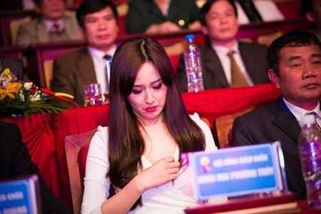 Ho Ngoc Ha, Toc Tien kho so vi mac goi cam qua da - Anh 5