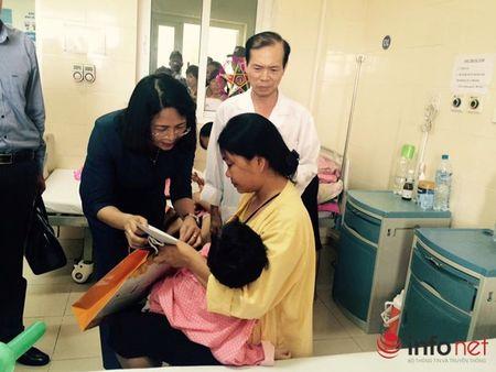 Benh nhi ung thu nhan qua Tet trung thu cua Pho chu tich nuoc - Anh 1