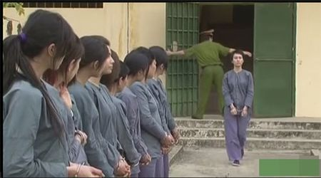 "Sau 7 nam, dan dien vien chinh ""13 nu tu"" vui ve ngay tai ngo - Anh 1"