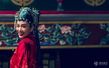 My nhan Chung Le De khoe anh cuoi cuc doc dao va la mat - Anh 10