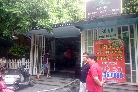 Ha Noi: Chay lon tai nha hang tren pho Phan Ke Binh - Anh 3