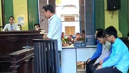 Vu CSGT nho giang ho danh nguoi vi pham: Nan nhan chet la do suy ho hap cap? - Anh 1