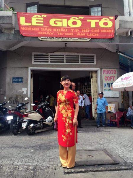 Hoai Linh va nhieu nghe si to chuc gio to nghe - Anh 1
