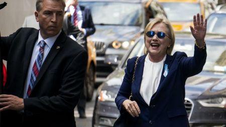 Ong Donald Trump chuc ba Hillary Clinton som binh phuc - Anh 1