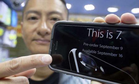 Dan buon Hong Kong hoai nghi ve iPhone 7 - Anh 1