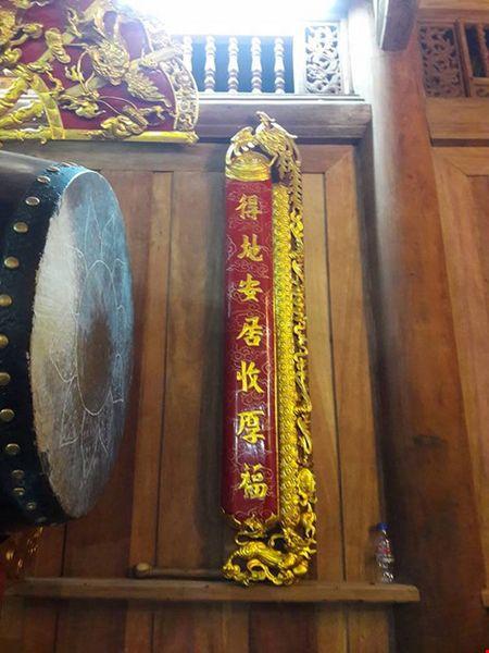 Chi tiet su ruc ro, dat tien khap noi o nha tho To cua Hoai Linh - Anh 27