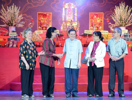 Dam Vinh Hung ra Ha Noi dang huong To nghe san khau - Anh 10