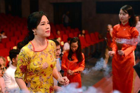 Dam Vinh Hung ra Ha Noi dang huong To nghe san khau - Anh 7