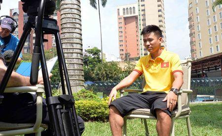 Hai nguoi hung cua tuyen futsal Viet Nam duoc FIFA phong van - Anh 1
