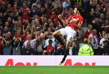 Doi hinh huyen thoai ra san nhieu nhat Champions League - Anh 12