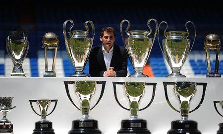 Doi hinh huyen thoai ra san nhieu nhat Champions League - Anh 2