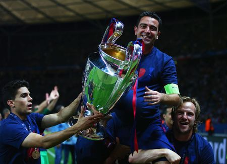 Doi hinh huyen thoai ra san nhieu nhat Champions League - Anh 7