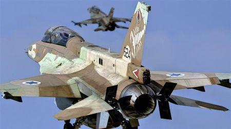 Quan doi Syria ban ha lien luc hai chien dau co Israel - Anh 1