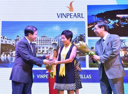 Vinpearl lot Top 10 The Guide Awards 2016 - Anh 1