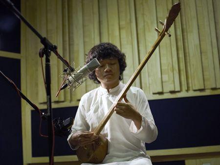Nghe si Ngo Hong Quang: Nguoi dam vuot ra khoi ngu cung - Anh 2
