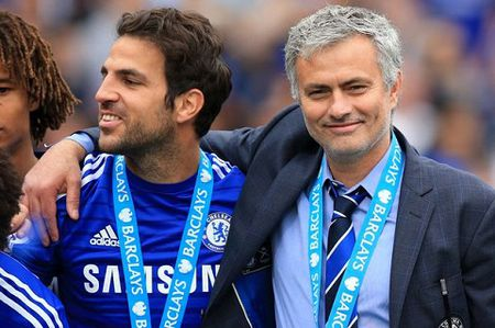 TIET LO: Mourinho phai gianh giat mai voi cac 'ong lon' moi co Pogba - Anh 2