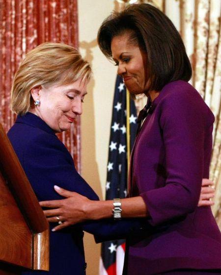 De nhat phu nhan Michelle Obama tich cuc giup ba Clinton vuot qua song gio benh tinh - Anh 1