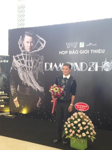 Dam Vinh Hung dau tu 12 ty dong cho liveshow moi - Anh 1