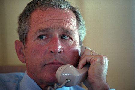 Anh tu lieu: Ben trong chuyen co Tong thong My Bush ngay sau vu 11/9 - Anh 3