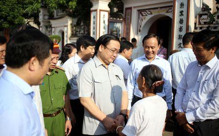 Bi thu Ha Noi dang huong tai Nha tho Anh hung dan toc Nguyen Trai - Anh 7