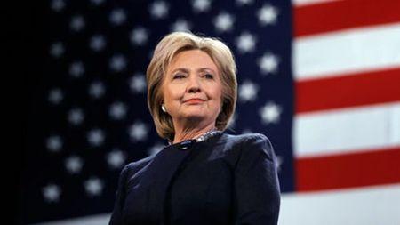 Ong Clinton noi gi ve suc khoe cua vo sau khi ba Clinton bi ngat xiu - Anh 1