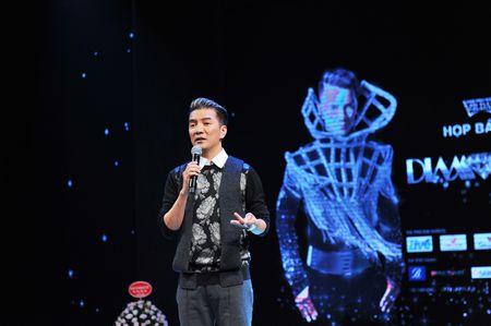 Dau tu 12 ty dong, Dam Vinh Hung se mang gi den 'Diamond show'? - Anh 6