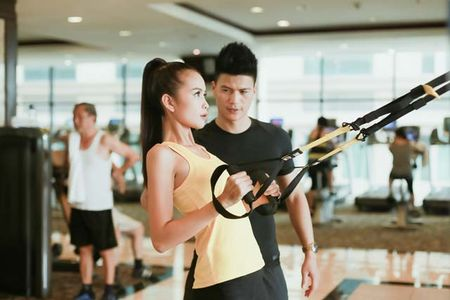 Ngam chan dai Ngoc Chau goi cam tap gym - Anh 11
