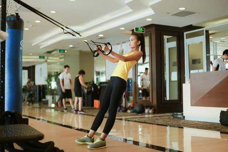 Ngam chan dai Ngoc Chau goi cam tap gym - Anh 12