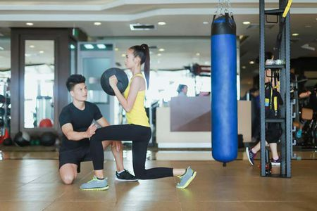 Ngam chan dai Ngoc Chau goi cam tap gym - Anh 2