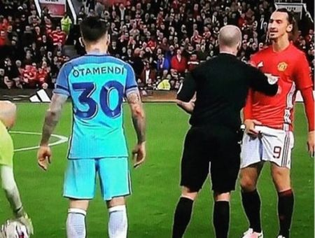 Ibrahimovic bi FA 'so gay' vi hanh vi tuc tiu - Anh 1