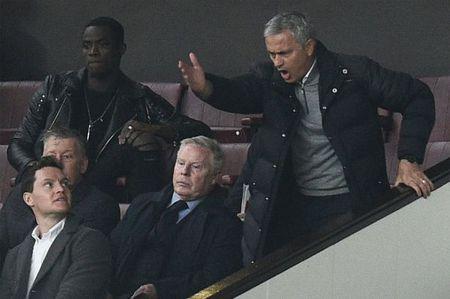 Gieo nhan Mourinho, Manchester United dang gat qua - Anh 1