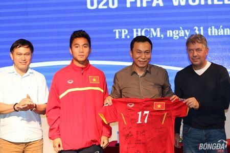 U19 Viet Nam ve nuoc, mung cong, lanh thuong hon 2 ty - Anh 4