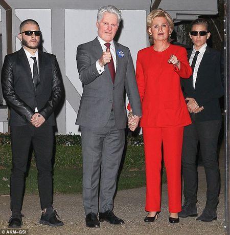 Katy Perry bien thanh ba Hillary Clinton di du tiec Halloween - Anh 4