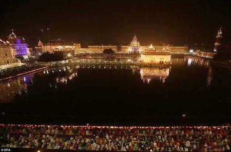 Tung bung le hoi Diwali o An Do qua anh - Anh 8