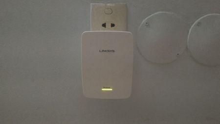 Huong dan su dung thiet bi tiep song WiFi Linksys RE4000W - Anh 2
