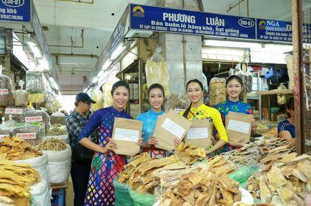 Hoa hau My Linh, A hau Thanh Tu nhay flashmob cung hang nghin ban tre - Anh 6