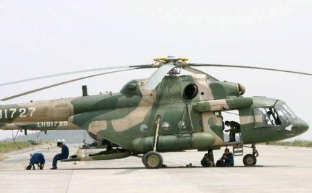 May bay cho hang cung 4 nguoi mat tich o mien Dong Indonesia - Anh 1