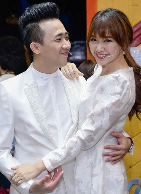 Tran Thanh - Hari Won dat may ao cuoi, to chuc hon le vao dung dip Noel? - Anh 3